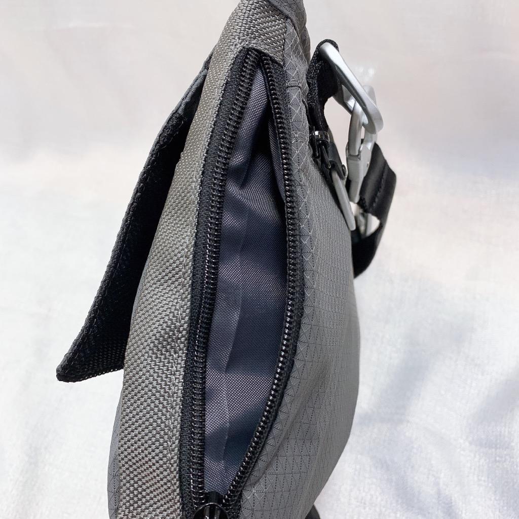 トリマーズ TRiMMERS ショルダーバッグ ななめ掛け サコッシュ 薄マチ 丈夫 高品質 スペクトラ 軽量 撥水 旅行 カジュアル おしゃれ 防弾素材 黒