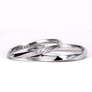 結婚指輪ペア  立体感のある斜めラインが魅力的、プラチナ製お手頃なリング