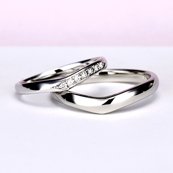 結婚指輪ペア  Pt 女性用はH&Cカットのダイヤとアイスブルーダイヤで作った引っ掛かりの少ない精巧な作りの高級な指輪, MpNJ15L改b1h6-M
