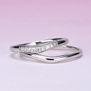 【Harmony】細くて緩やかなV字の優しい感じのハードプラチナ結婚指輪 MpHaP02LnM