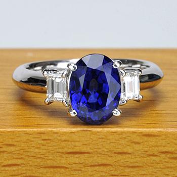 サファイア指輪(プラチナ)  自慢の逸品