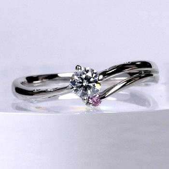 【可憐  Karen】Pt ピンクサファイアとハートの透かし模様がかわいい指輪  E2082ps-18GH6