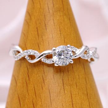 婚約指輪  EDR1211-25F1 可愛い繊細なデザインの指輪、緩やかなカーブで指がスマートに見えます。