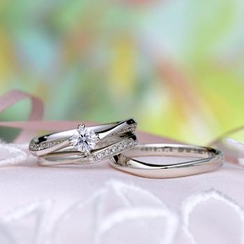 ブライダル3点セット  かわいいハート形の爪が人気の結婚指輪と浅いV字の結婚指輪 BsS1MKHa01-30F1