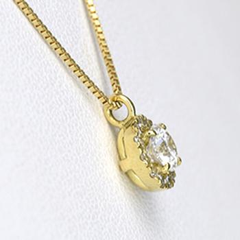 花柄(ダイヤ取り巻き)デザインの可愛いダイヤモント゛ペンダント K18  P124-0.19,F,SI1,VG-K