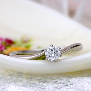 婚約指輪  プラチナ製、爪が低くシンプルで普段使いし易い 人気の指輪 EJTR22-20H6-Pt