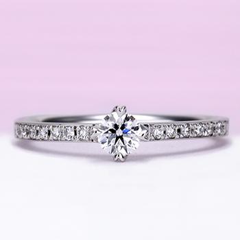 【婚約指輪】細めのフレームにメレーダイヤを一列に配置した上品なリング、ハート型の爪が個性的 ES1DZY-25F