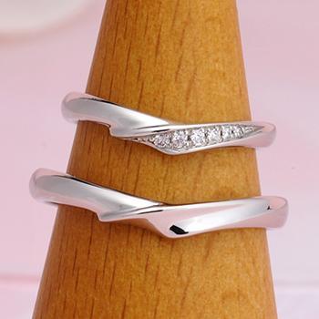 結婚指輪ペア  Pt  最高の着け心地、 女性用はダイヤの爪の引っ掛かりがなく安心感があります MpS101n