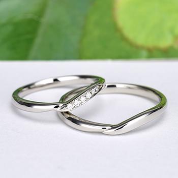 【月華 Gekka】優しいウェーブデザインの結婚指輪ペア MpKK03-Pt