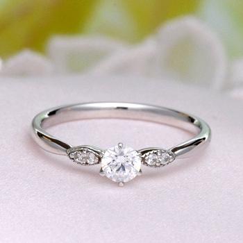 婚約指輪   プラチナ製高品質ダイアモンドリングを特別価格で! 繊細なミル打ちデザインの上品な指輪 0.2ct,D,VS2,3EX,H&C