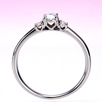 婚約指輪  ハートの透かし模様がかわいい 大きめメレーダイヤ入り高級ダイヤモンドリング  プラチナ製 0.20ct,F,VS2,3EX,H&C