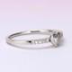 婚約指輪  細いきゃしゃなリングとハート形のダイヤモンドが可愛い指輪 プラチナ
