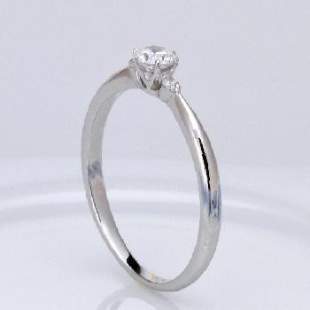 婚約指輪  プラチナ製 人気のシンプルな高品質ダイヤモンドリング、脇石もH&Cカット ENJ116h-20FF1