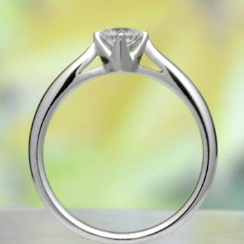 婚約指輪   高級ダイアモンド0.25ct D,VS1,3EX,H&C、リングのフレームと爪が一体感のあるシンプルでおしゃれな指輪 EQSK41-25E1