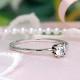 婚約指輪  2本1組の爪が特徴  プラチナ製  細いシンプルダイアモンドリング ENBR698-18H6