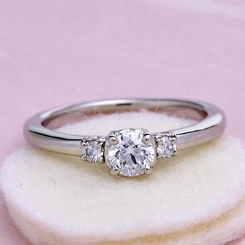 婚約指輪【 ハートの透かし模様がかわいい】 高品質ダイヤモンドリング 大きめのH&Cメレーダイヤ入り プラチナ製 0.25ct,D,VS2,3EX,H&C