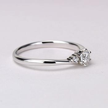 【Harmony】婚約指輪  人気の僅かなV字デザインの高級ダイアモンドリング ハードプラチナ EHaPE02n-0.25ct,D,VS2,3EX,H&C