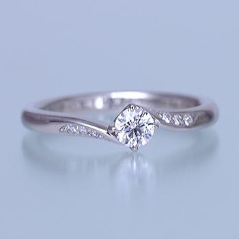 婚約指輪  メレーダイヤが斜めに入ったおしゃれなリング ESS192n-20FF1