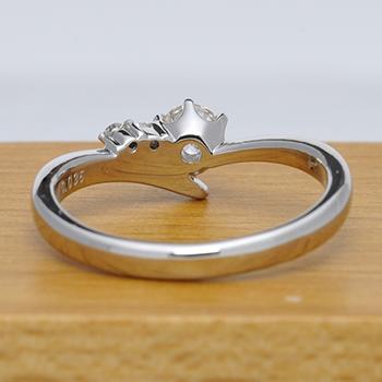 婚約指輪   シャープなデザインで指がスマートに! EG22M75-18FG5