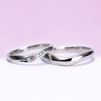 結婚指輪ペア  Pt 女性用は天然ピンクダイヤとH&Cカットのダイヤだけで作った高級な指輪,引っ掛かりの少ない精巧な作り、緩やかなV字で指がスマートに♪