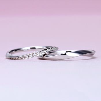 結婚指輪ペア ハードプラチナ製  緩やかなカーブデザイン  女性用は細くて上品な高級ハーフエタニティリング
