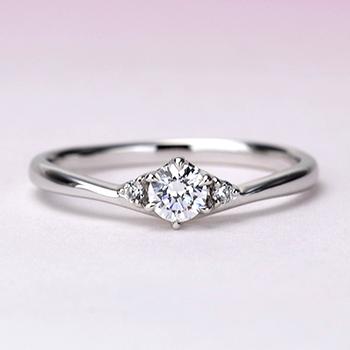 【Harmony】婚約指輪  人気の僅かなV字デザインの高級ダイアモンドリング ハードプラチナ EHaPE02n-0.20ct,F,VS2,3EX,H&C