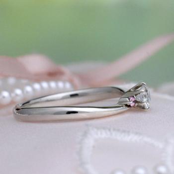 【Harmony】プラチナ  ピンクサファイヤがかわいい緩やかなカーブのセットリング BsHa0201ps-0.2ctG,SI2,G-Pt