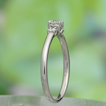 婚約指輪 両脇にピンクサファイア、ハートの透かし模様がかわいいダイヤリング EKK501ps-18GH6-Pt