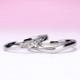 結婚指輪ペア  Pt  スマートなミル打ち加工、レディースはH&Cカットのダイヤで作った引っ掛かりの少ない精巧な作りの高級な指輪  MpNJ15LhM-m-Pt