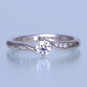 婚約指輪  メレーダイアが斜めに入ったおしゃれなリング ESS192n-20H6