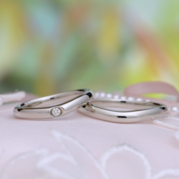 【絆 ツインダイヤモンド】3点セットプラチナ ツインダイヤモンド結婚指輪と高品質婚約指輪のセット BsKK501hTW02-20DE1-Pt