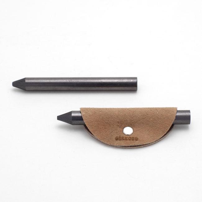 8B芯鉛筆(革カバー付き)