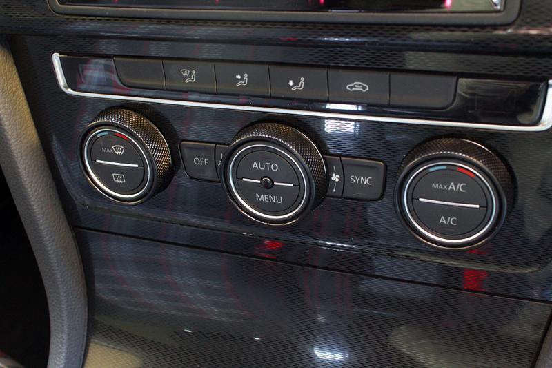 VW GOLF7.5/PASSAT B8 ローレット エアコンベゼル ブラック 3pc (Leyo Motorsport)