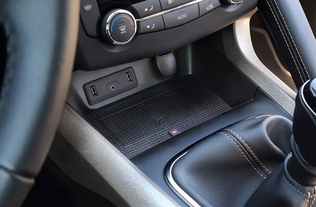 Renault(ルノー) カジャー スマホ ワイヤレス チャージング Qi ドック Inbay社