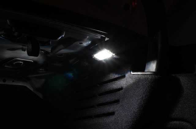 Audi A4/S4(B9) セダン トランクライティング 増設キット
