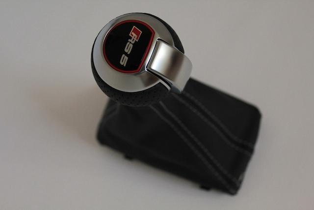 Audi RS3 純正パンチングレザー シフトノブ
