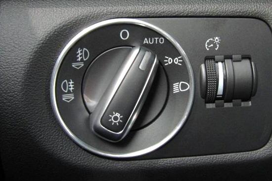 Audi A1/Audi TT系 アルミ ヘッドライトスイッチ リング
