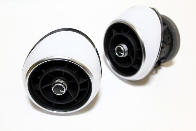 Audi A1 エアベント/エアコンベント セット・ホワイト