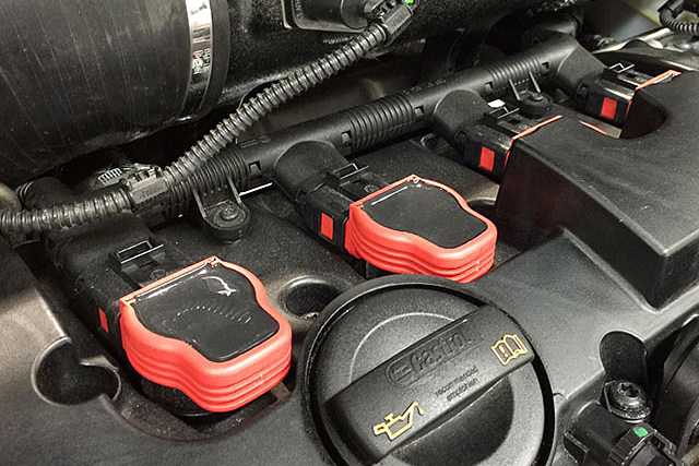 【SALE】Audi純正 S4 レッド・イグニッションコイル 1pc