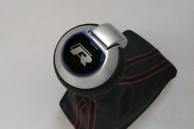 New Rロゴ/ブルートリム DSGシフトノブ(Audi純正 RS4シフトノブ)