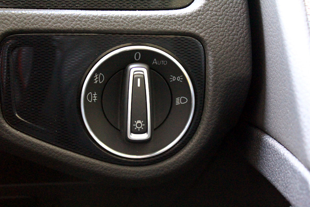 VW アルミ ヘッドライトスイッチリング