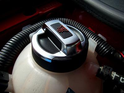 Audi R8 ラジエータータンクキャップ