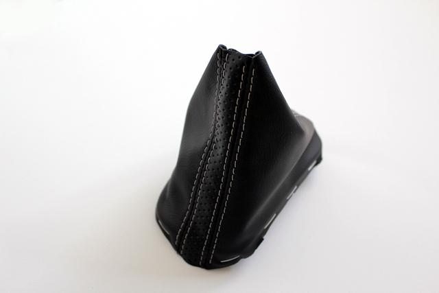 DSGシフトブーツ・シルバーステッチ - 横押しボタン用
