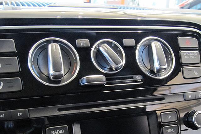 VW up!用 エアコンダイヤル アルミリング