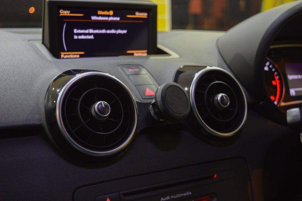 Audi A1/S1 スマートフォン マウント・マグネット