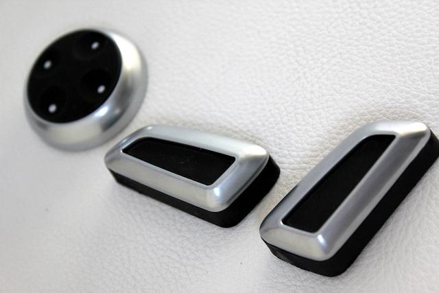 Audi パワーシートスイッチ・シルバー6pc(社外品)