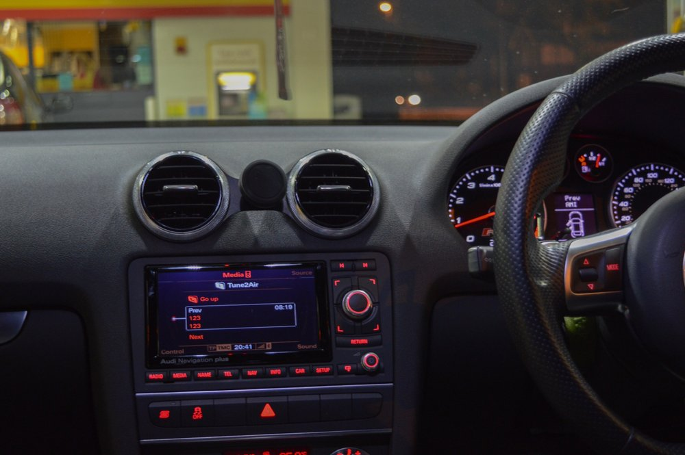 Audi A3(8P) スマートフォン マウント・マグネット