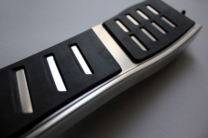 Audi S8 アルミフットレスト