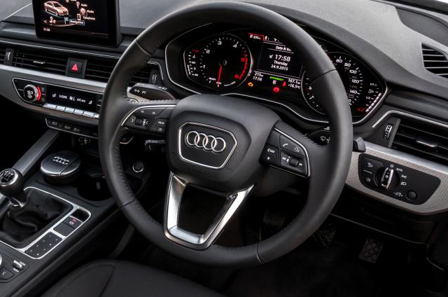 New Audi A4(8W) アルミ調 ステアリングトリム