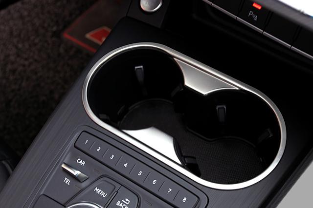 New Audi A4/A5(B9) ドリンクホルダーコンソールパネル